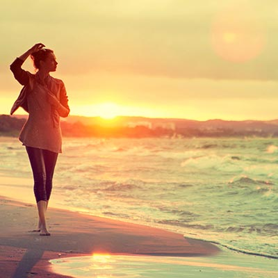 mood-girl-sand-sea-r